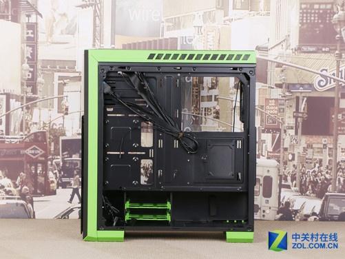机箱电源 正文  先马塞恩5机箱内部采用的是经过先马工程师优化的atx