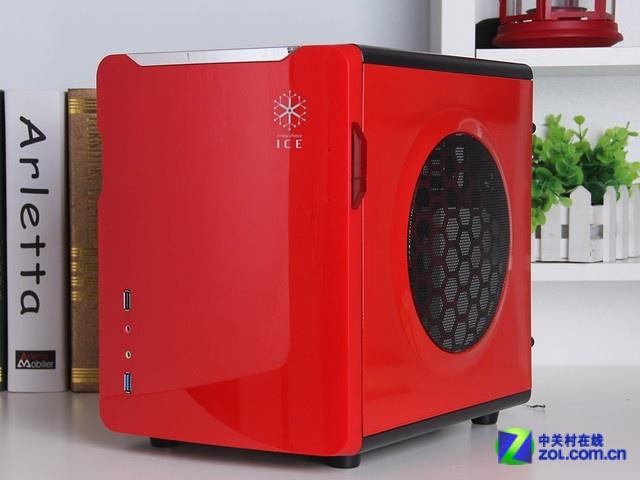 红色甲壳虫机箱 ICE甲壳虫机箱虽然外观小巧,但是这款机箱支持支持M-ATX主板和ITX主板的安装,并且支持常规显卡的安装,标准的ATX电源也能够完好的兼容,并且设计了SSD固态硬盘位,为了提高机箱的散热性能,双侧板均配备了16CM的大面积散热窗,顶部采用仿生学设计的鲨鱼腮散热孔。