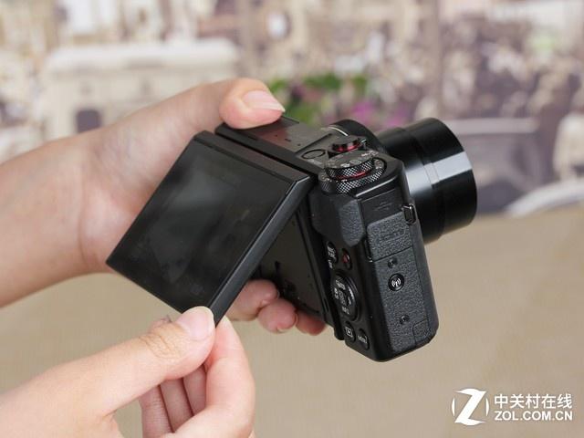 180度翻转屏幕 佳能G7X II的专业属性