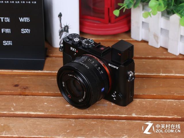 消费级神机 索尼 RX1R II相机促销中